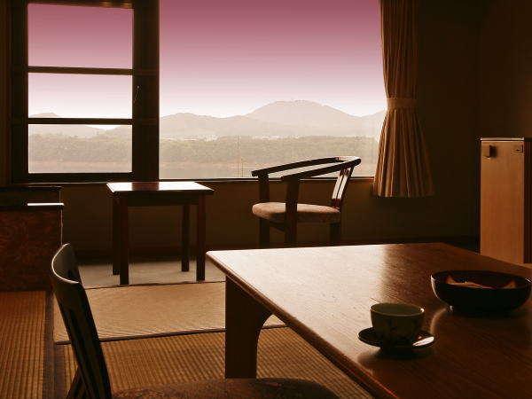[客室景色イメージ]お部屋にてご夕食をご用意するプランもございます。