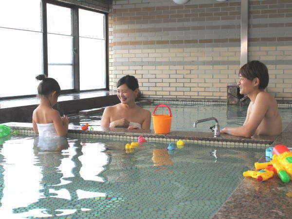愛真館の貸切風呂はエリア最大の広さで、ご家族やカップルでのご利用におすすめです!
