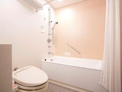 リュクスツインベッドルームのバスルーム。(一例)