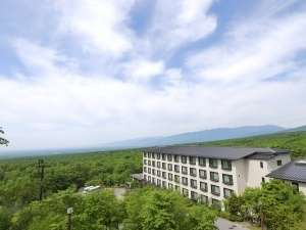 大自然の中に佇むホテル