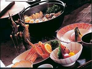 ★これぞ秋田の味 囲炉裏を囲みながらお酒が進みます。