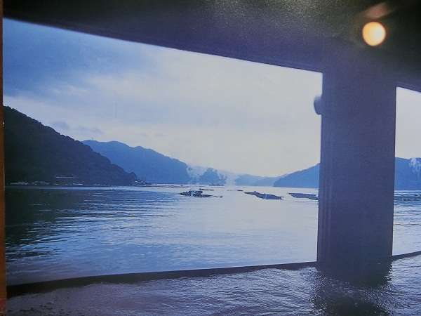 海までわずか10cmの大浴場