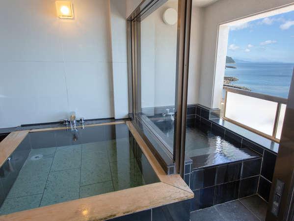 露天風呂付き客室には、2つの湯船があります