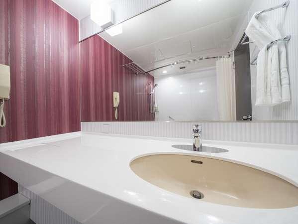 デラックスツイン バスルーム(洗面台)