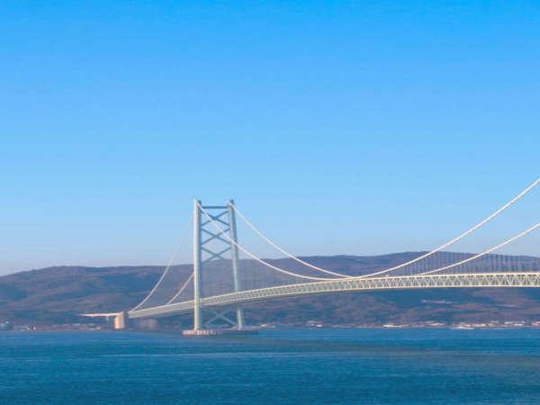 古来より名勝として愛されてきた舞子の海。海峡に架かる橋もその景色に見事に調和しています