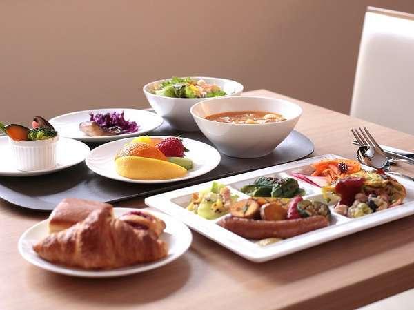 女性に大人気!野菜中心のごちそう朝ごはんをお楽しみください♪