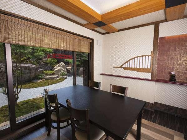 新エリア「別邸 神庭」。日本庭園を眺めながら個室でゆったりとお食事をお楽しみください。