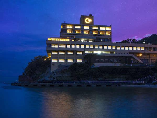 ◆海沿いに佇む萬波は全室オーシャンビュー!美しい海景色を眺める贅沢な旅を◆