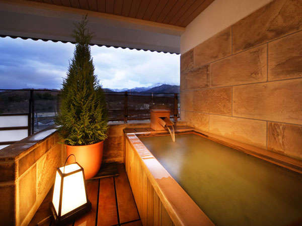 露天風呂付客室(和洋室タイプ)露天風呂イメージ