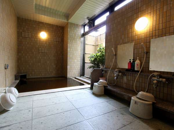 ☆天然モール温泉とラジウム活性石人工温泉の2種類の温泉がお楽しみ頂けます♪(写真は女性用)