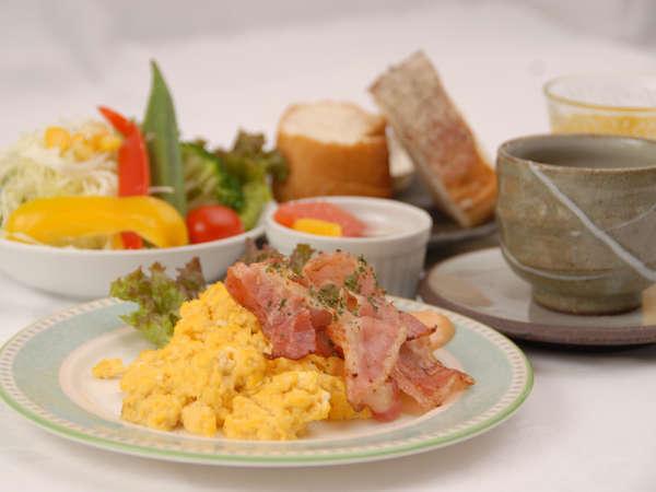 *朝食一例(洋食)/栄養付けて元気に出掛けましょう♪