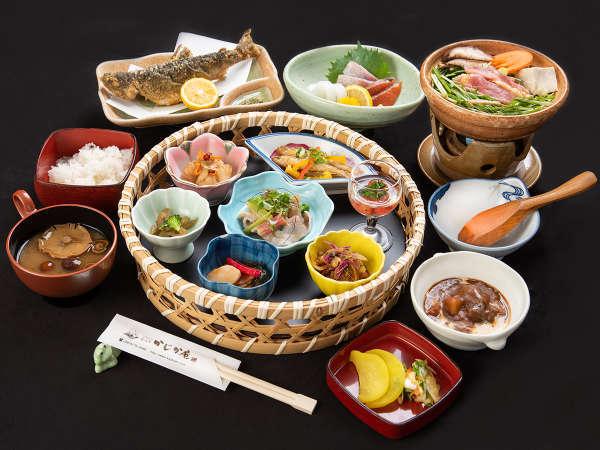 *【夕食一例】和と洋の絶妙な組み合わせで一皿一皿飽きさせません!