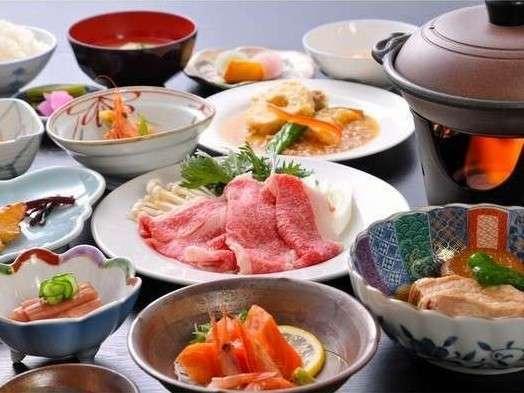 地場産の食材たっぷり夕食の一例