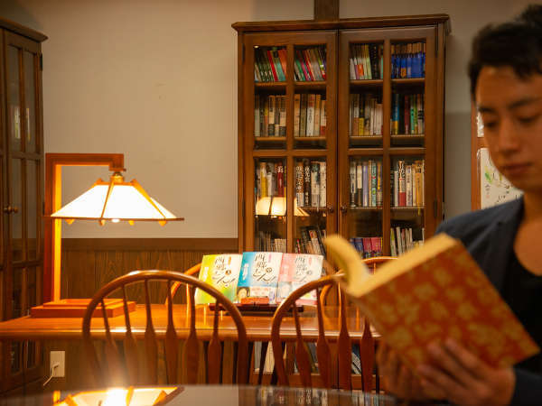*夢の間~雪蛍~/画集や図書のご用意がございます 読書などにご利用ください