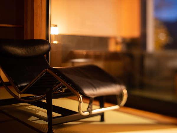 *湯ノ坂館・露天風呂付客室「湯翠」/リクライニングチェアでのんびり