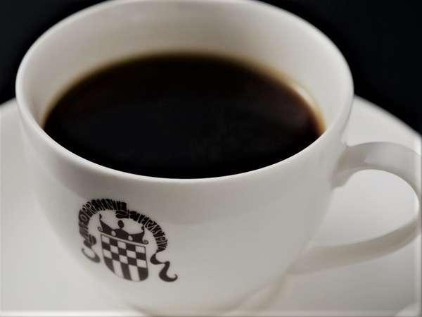 近くの「カフェド坊」でチェックイン時に本格コーヒーをサービス。