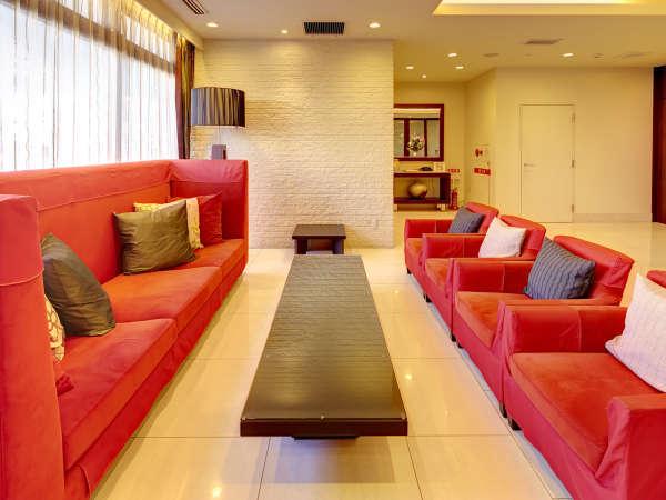 こだわりのインテリアは、カラーから家具の素材カーテンなど、全てをトータルコーディネート。