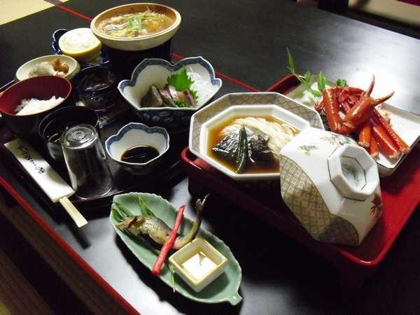 四季折々の地元食材をふんだんに使った水月会席一例