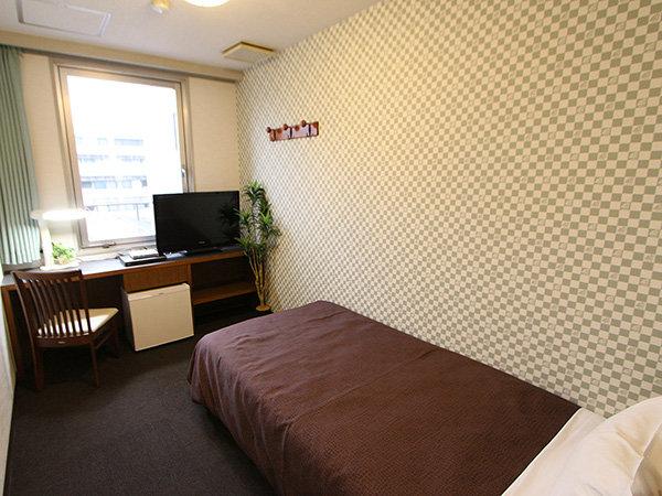 シングルルーム♪ベッド幅100×195cmです!