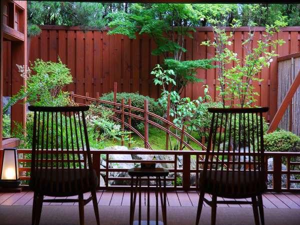 露天風呂付き客室「有明」庭園