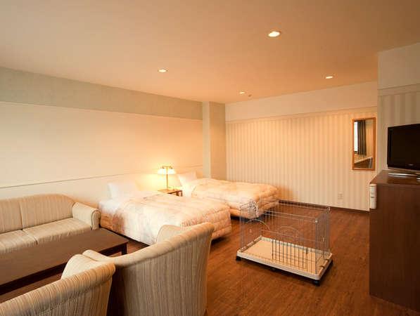 【ペット洋室】明るく広々としたツインベッドルーム