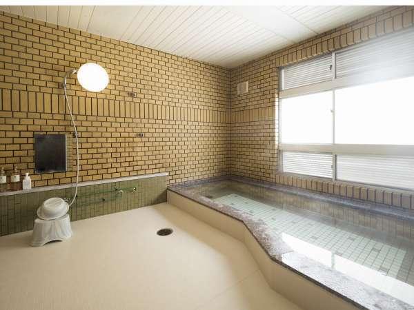 大浴場で一日の疲れを癒やしてください。