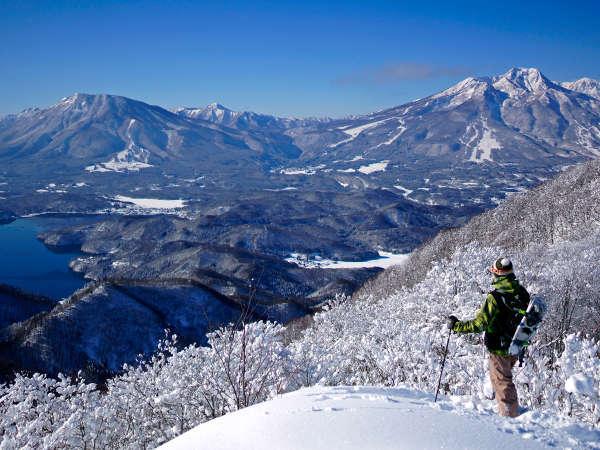 斑尾山から望む、妙高山・黒姫・野尻湖