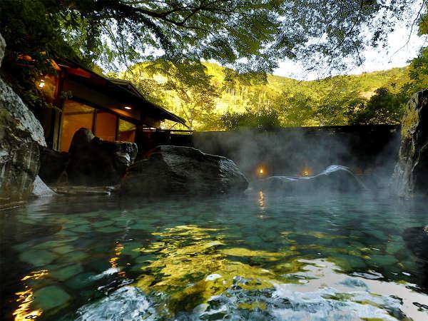 当館名物「仙境野天風呂」