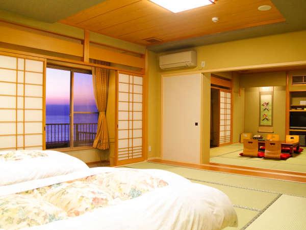 広さ当館で1番♪客室【二間部屋A/バルコニー付】海側和室12畳+和室ツインベッド