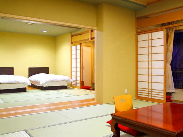 【二間部屋A/バルコニー付】海側和室12畳+和室ツインベッド