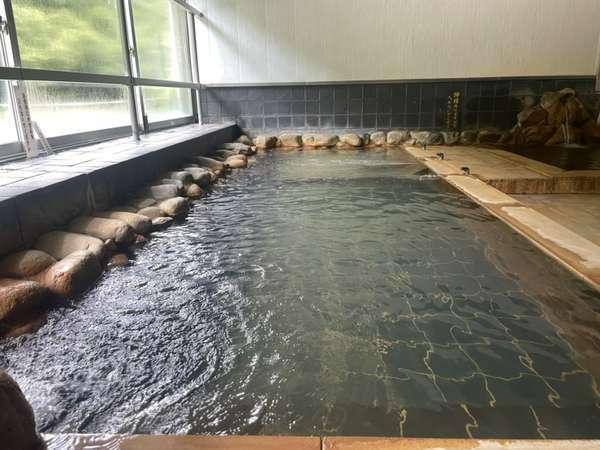 天然炭酸泉の内風呂