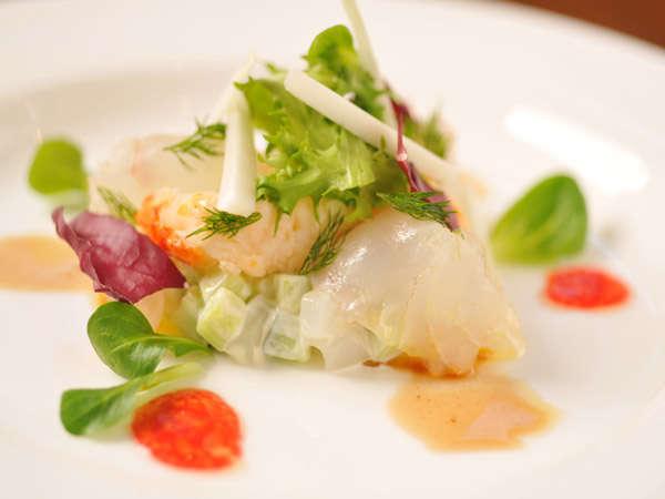 地のものにこだわった鮮魚のカルパッチョ 一例