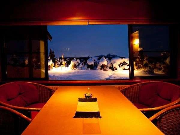 【景色】 部屋から望む一面の雪景色は雪国ならでは。都心からお越しの方には新鮮に映ることと思います。