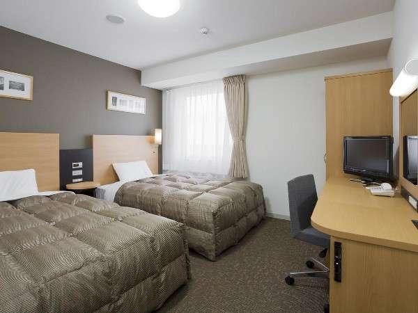 ■ツインエコノミー客室画像 120cm幅ベッド×2台で快適♪