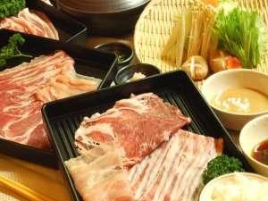 那須牧場直送の幻の三元豚しゃぶしゃぶ!柔らかくて甘いお肉です!