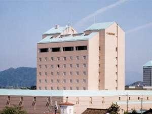 ホテルニューオウミは、JR近江八幡駅より徒歩1分!!(京都駅より琵琶湖線で32分)