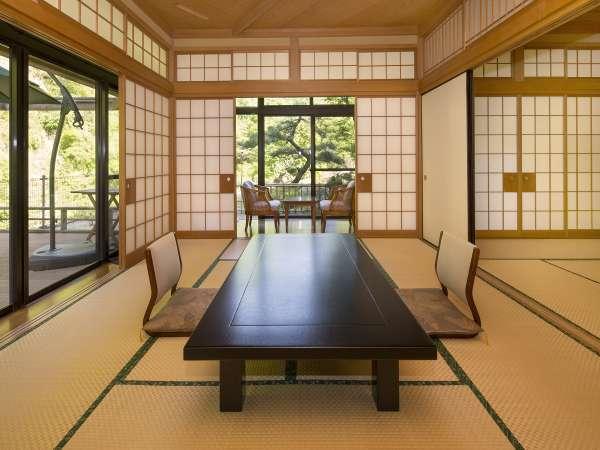 1階「山桃」~10畳+8畳の二間部屋~