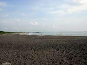 釣ヶ崎海岸まで徒歩5分!