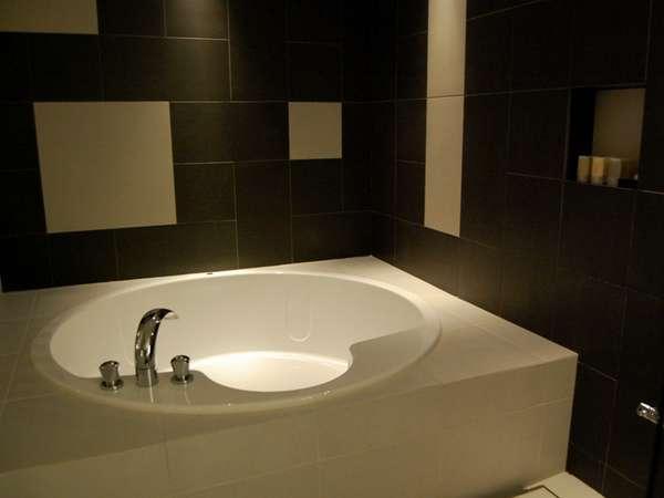 【グランデフロア バスルーム】ゆっくり足を伸ばしお寛ぎ頂けます。
