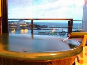 信楽焼きの客室展望風呂