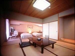 和洋室(バス・トイレ付)和室8帖+ゆったりツイン、興福寺の五重塔もお部屋より望めます。