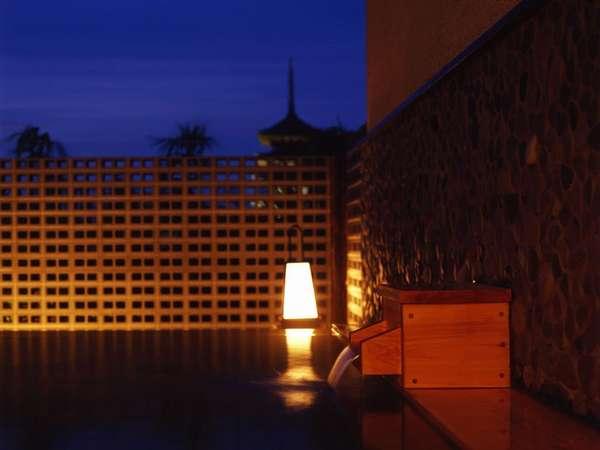 興福寺五重塔を望む露天風呂