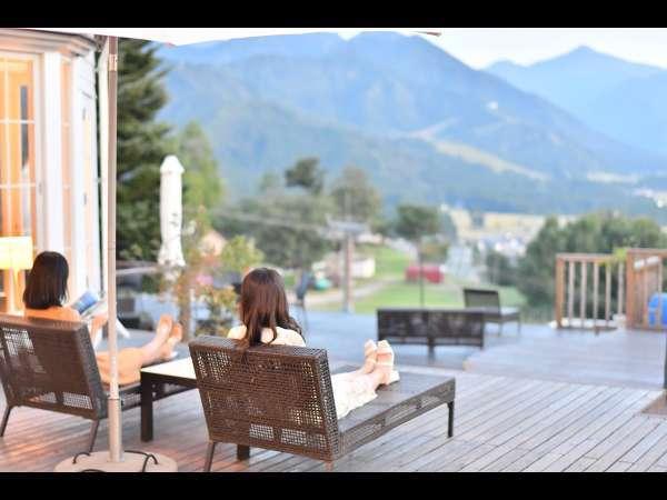 【シェラリゾート湯沢】四季折々の谷川連邦の美しい絶景がパノラマに広がる温泉リゾート
