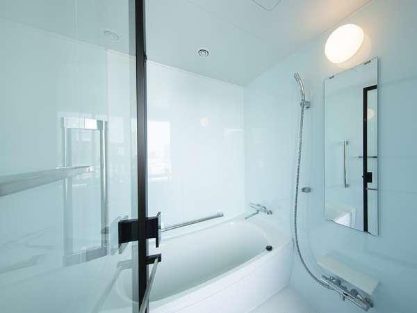 【洗い場付バス】小さなお子様ともゆっくりとお部屋のお風呂をご利用頂けます。