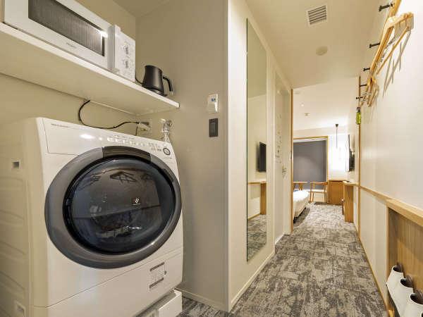 *【コンフォートダブル(イメージ)】電子レンジと洗濯乾燥機も完備しております。