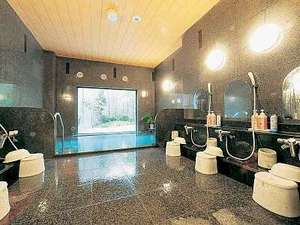 ラジウム人工温泉はのびのびと足を伸ばせます♪(写真は男浴)【営業時間:15:00~2:00、5:00~10:00】