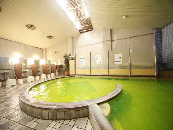 「サウナ付大浴場」朝9時30分まで。風呂上りはレストランで氷点下の生ビールをお楽しみください♪
