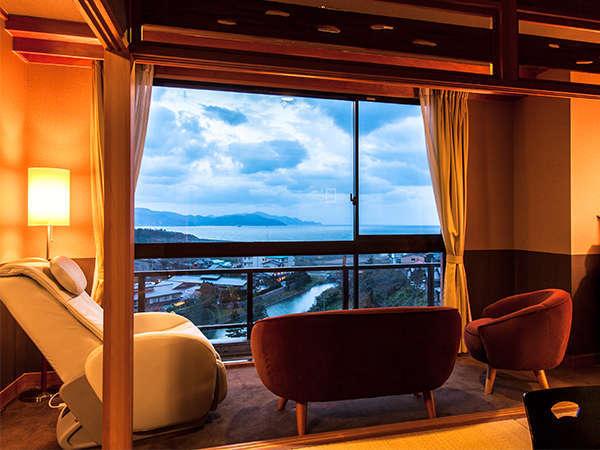 【特別室】702号室の窓からは日本海を一望