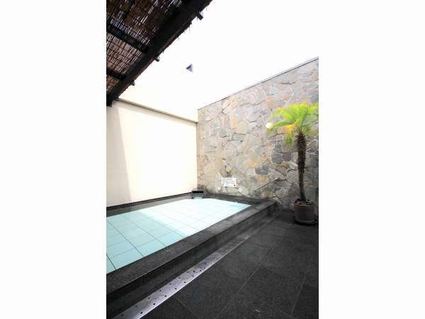 【9階大浴場】露天風呂(昼)