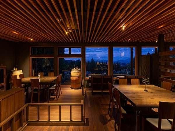 【醸す森【kamosu mori】】【星の綺麗な温泉宿】森の中の一軒家で楽しむフレンチとお酒